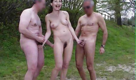 Egy karcsú Amatőr pumpálta a punciját. romantikus szexvideok